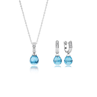 Bundle with sky blue crystal briolettes