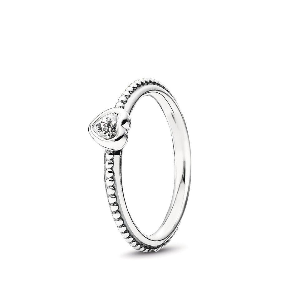 Artikel klicken und genauer betrachten! - Pandora Ringe 190896CZ-54 - Dieser feine PANDORA-Ring ist aus Sterling Silber gefertigt und mit bezaubernden Details verziert. Der filigrane Herz-Ring überzeugt mit einer herzförmigen Silberfigur, die auf dem Ring thront und in der Mitte durch einen klaren Cubic Zirkonia Stein veredelt wird. Der Ring ist sowohl einzeln getragen, als auch als Kombinationsring ein Highlight. Verschenke dein Herz mit diesem schönen PANDORA-Ring. - 190896CZ-54 Pandora Ringe | im Online Shop kaufen