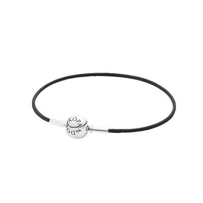 ESSENCE Black Single Strand Bracelet