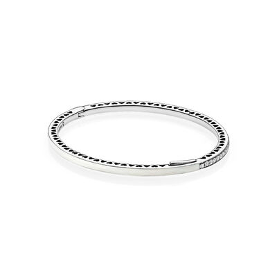 Pearlescent Radiant Hearts of PANDORA Bangle