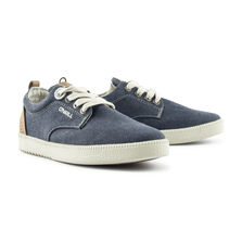 Fakey sneaker boys
