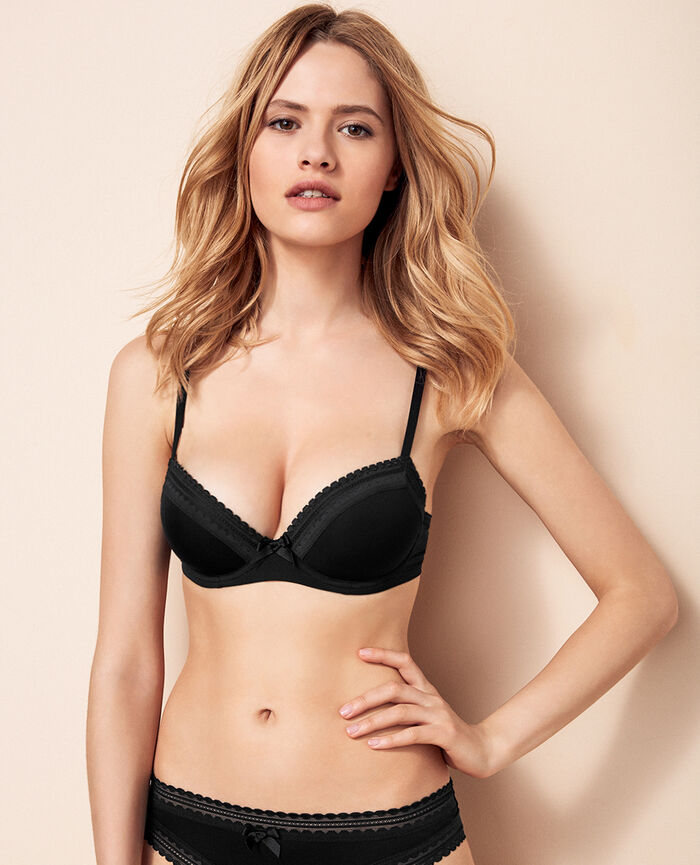 Progressive-cup push-up bra Black Beaute