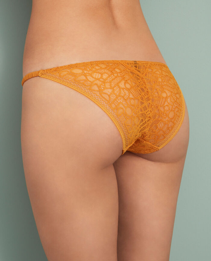 Hipster briefs Taxi yellow Manhattan