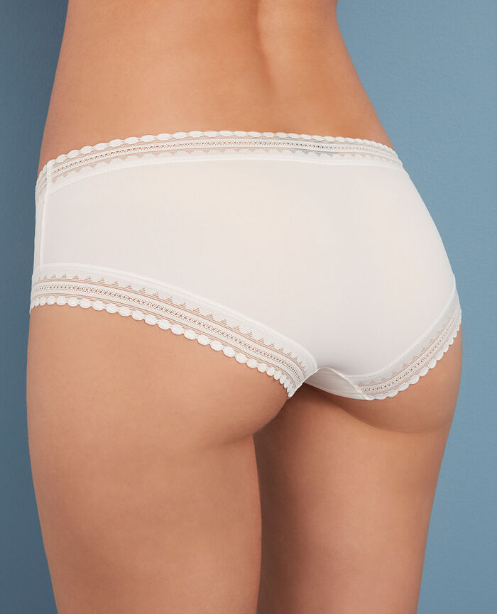 BEAUTE Rose white Shorts