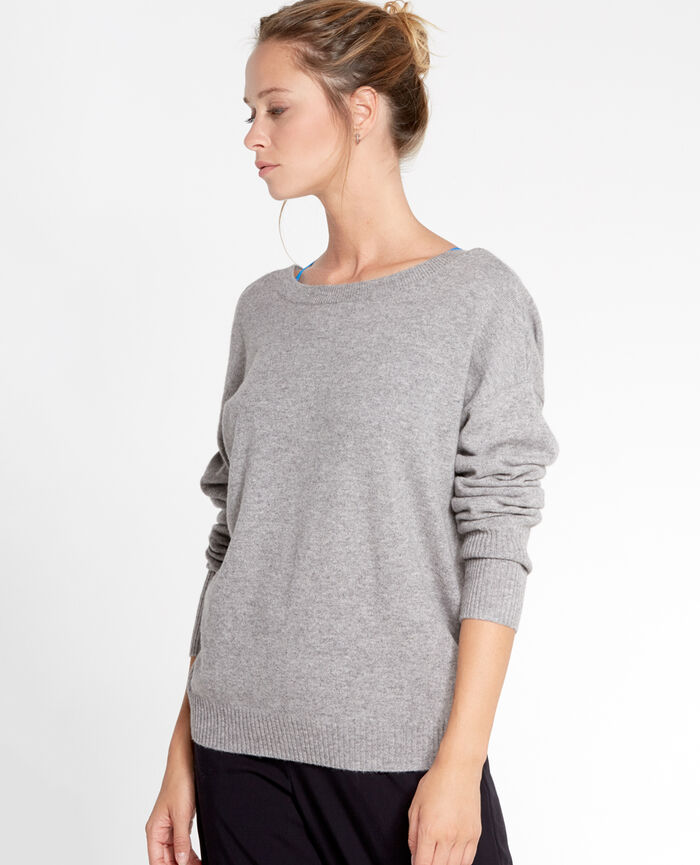 COZY Light grey V-neck jumper