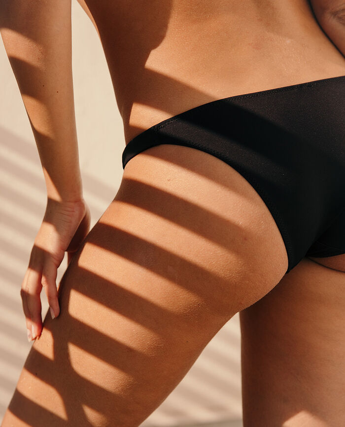 Bikini Noir Impala