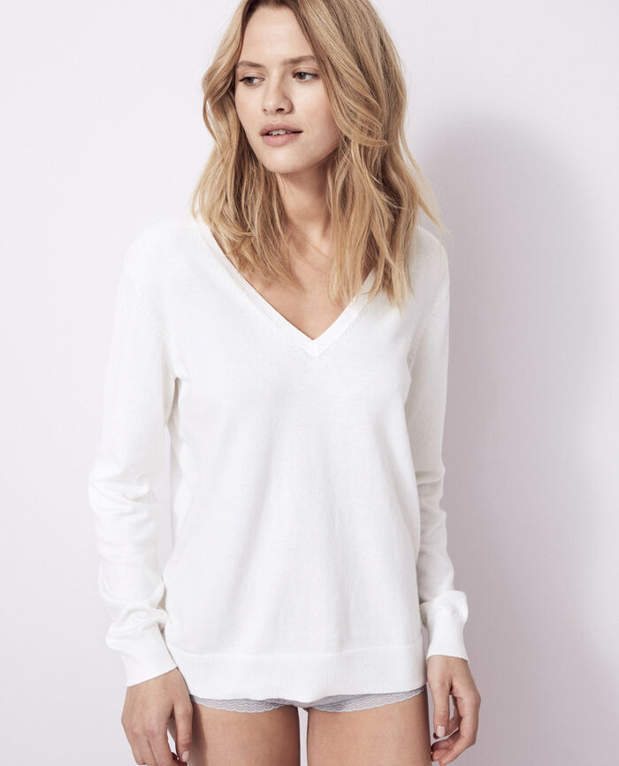 V-neck jumper Ivory Kanou