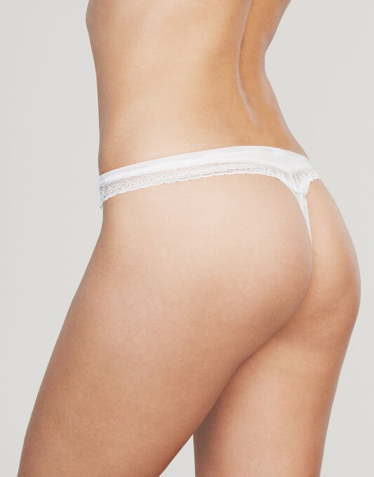 Calvin Klein Sexy Signature Thong With Lace