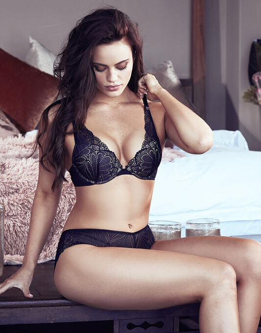 Refined Glamour Triangle Push-up Bra