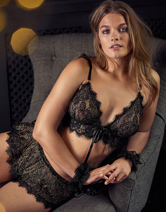 figleaves Entice Bralette & French Knicker Set