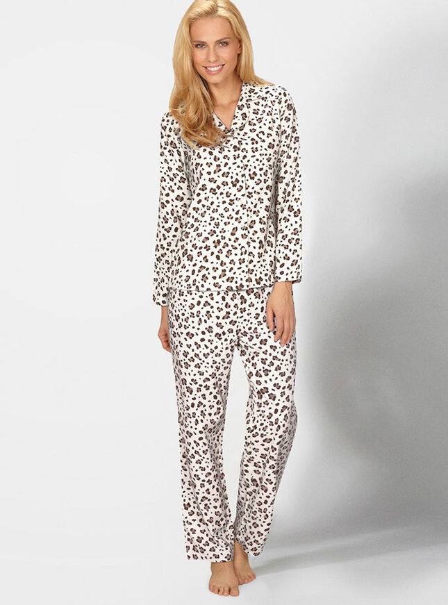 Lovely leopard print pyjamas in a bag