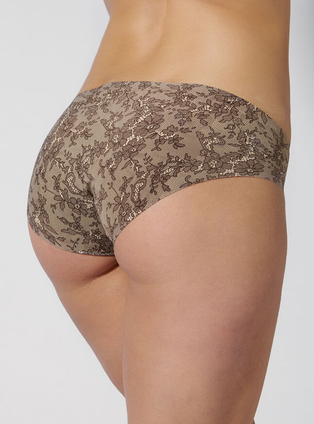 Lace print bonded shorts