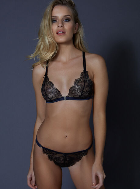 Amelie lace thong