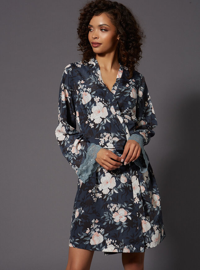 Vintage floral printed robe