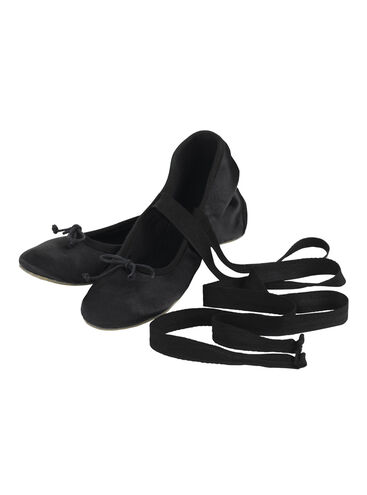 Razzle Ballet Pump With Ties