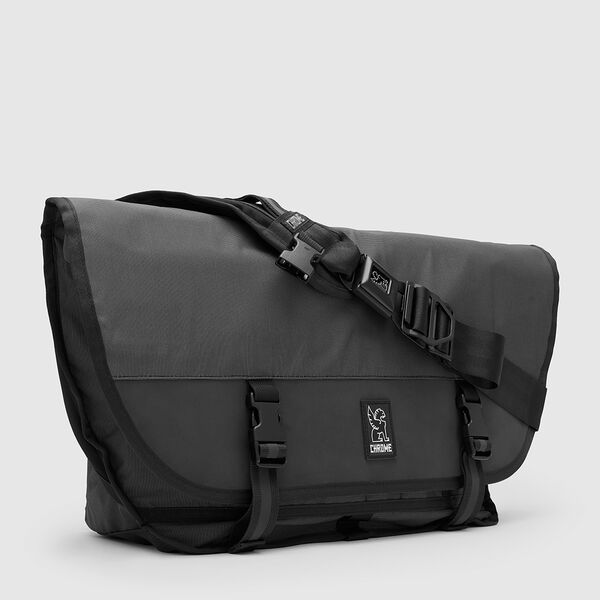 The Welterweight Citizen Messenger in Charcoal / Black - medium view.