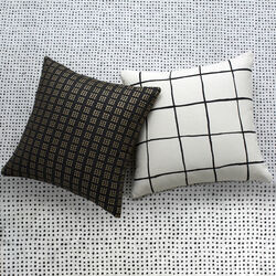 PARADOX PILLOW