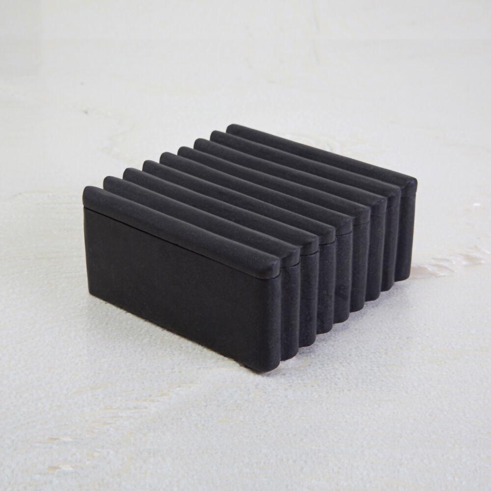 LAUREL SQUARE BOX