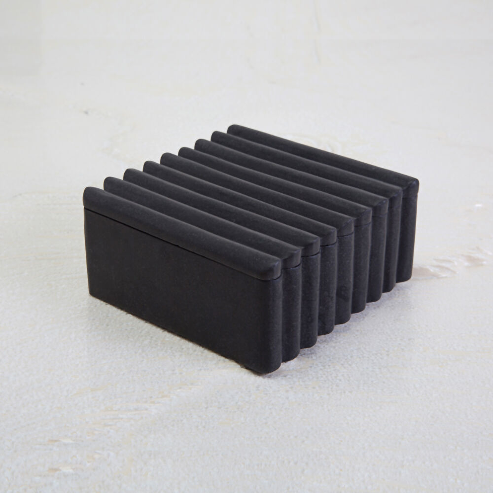 LAUREL SQUARE RIBBED BOX