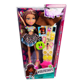Bratz Selfiesnaps Doll - Assorted