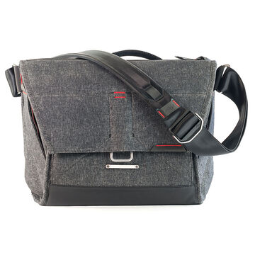 Peak Design The Everyday Messenger 13 - Charcoal - BS-13-BL-1