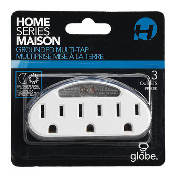Globe Multiplus 3-outlet with Light - 69712