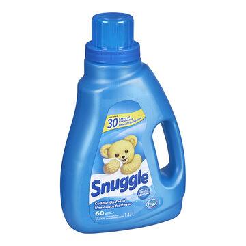 Snuggle Ultra HE Liquid Fabric Softener - Cuddle Up Fresh - 1.47L