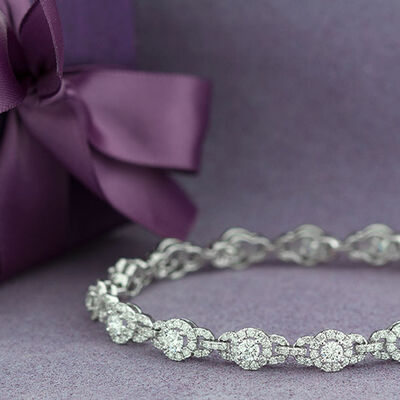 Signature Forevermark Diamond Halo Bracelet 18K