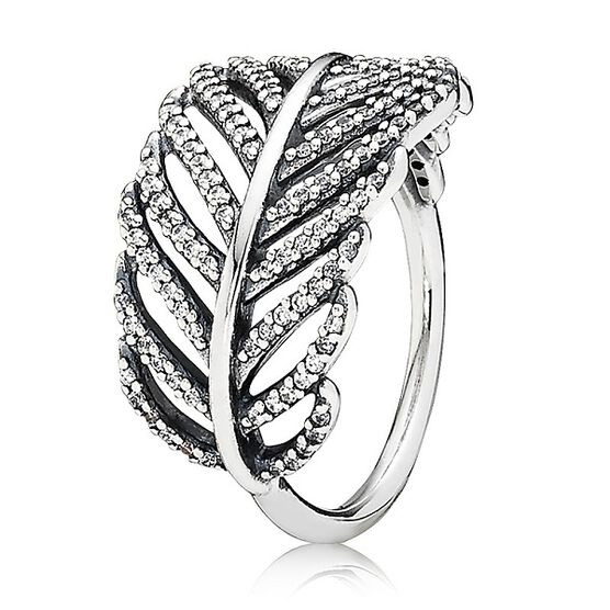 PANDORA LIGHT AS A FEATHER RING
