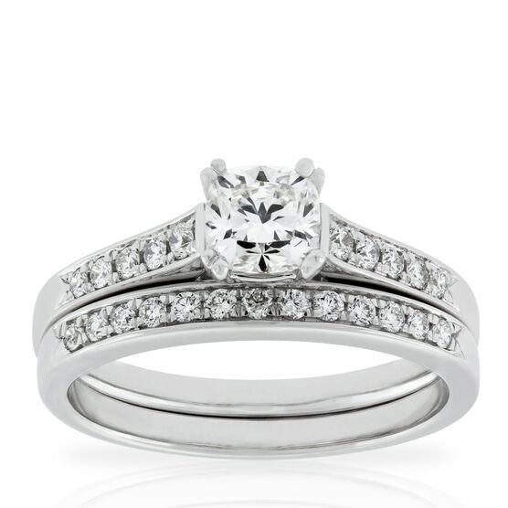 Signature Forevermark Cushion Cut Diamond Bridal Set 18K