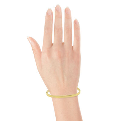 Toscano  Cushion Shaped Bangle 14K