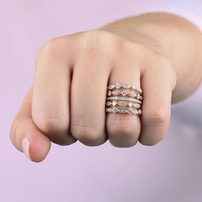 Round & Princess Cut Diamond Band 14K