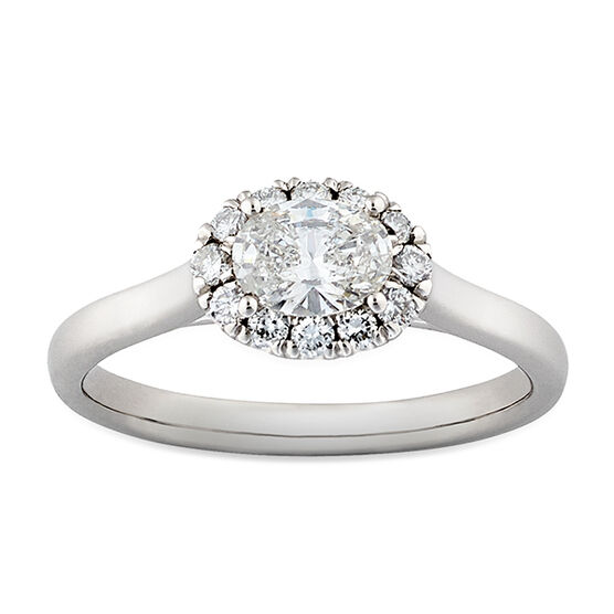 Oval Diamond Halo Ring 14K