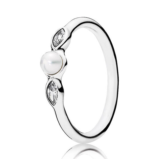 PANDORA Petite Luminous Leaves Cultured Pearl Ring