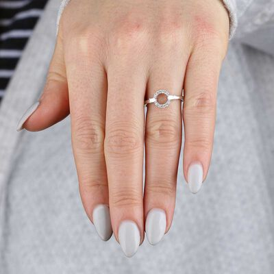 Circle Diamond Ring 14K