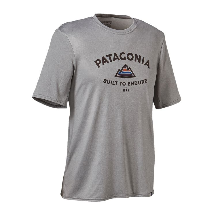 M'S CAP DAILY GRAPHIC T-SHIRT, Built to Endure '73: Feather Grey (BTEF)