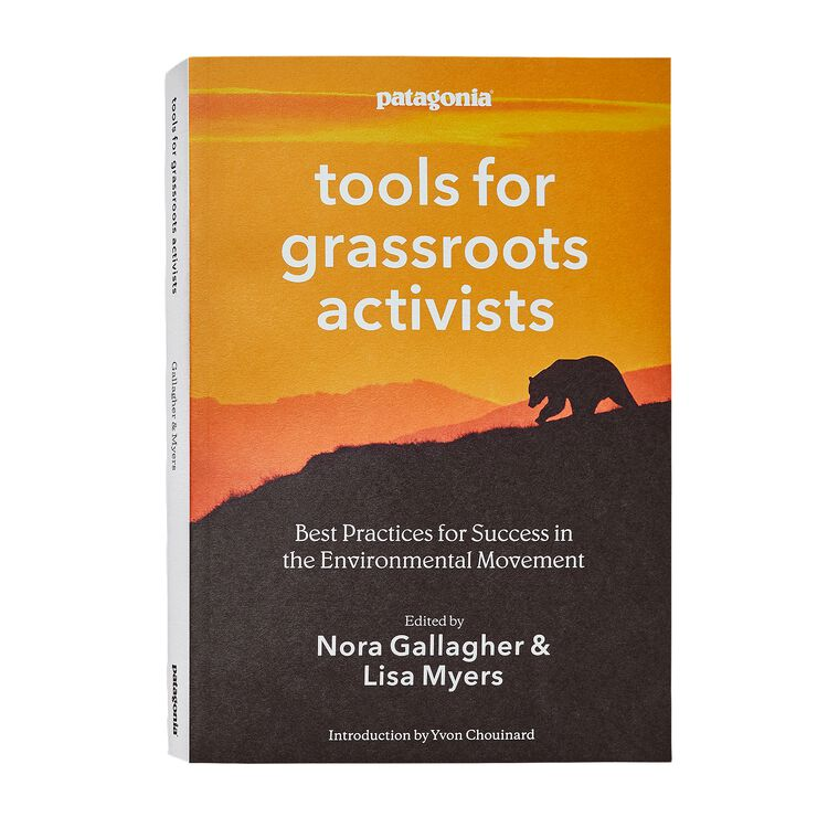 TOOLS FOR GRASSROOTS ACTIVISTS (PAPERBAC, multi (none-000)
