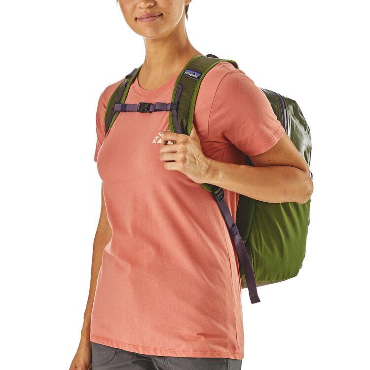 Lightweight Black Hole® Backpack 26L,
