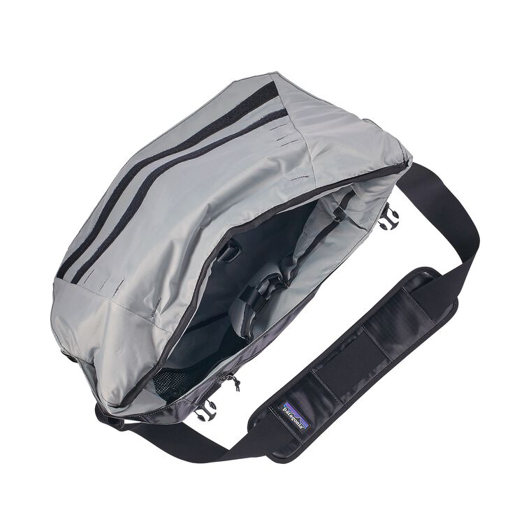 Black Hole® Messenger Bag 24L,