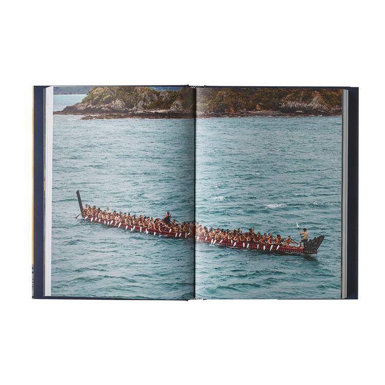 『Patagonia Malama Honua: Hokule'a – A Voyage Of Hope』(マラマ・ホヌア:ホクレア――希望の航海)ジェニファー・アレン著/英語版,