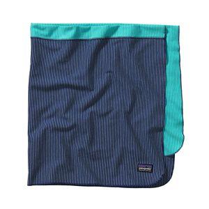 ベビー・コージー・コットン・ブランケット, Itsy Bitsy Stripe: Channel Blue w/ Howling Turquoise (ICIH)