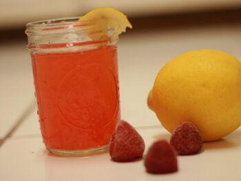 Strawberry Lemonade Recipe | Strawberry Lemonade Concentrate - Ball®