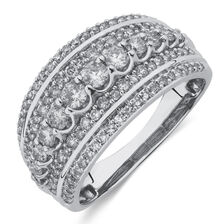 Ring with 1 Carat TW of Round Brilliant Diamonds in 10kt White Gold