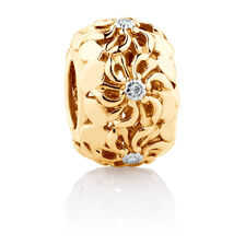 Diamond Set Daisy Charm in 10ct Yellow Gold