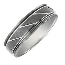Men's Patterned Ring in Grey Tungsten