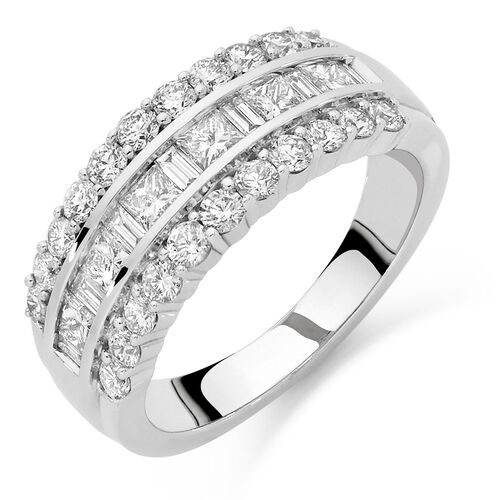 Ring with 1 1/2 Carat TW of Diamonds in 18ct White Gold