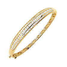 Hinged Bangle with 2 Carat TW of Diamonds in 18ct Yellow Gold