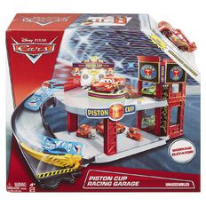 Disney Cars 3 Garage Play Set
