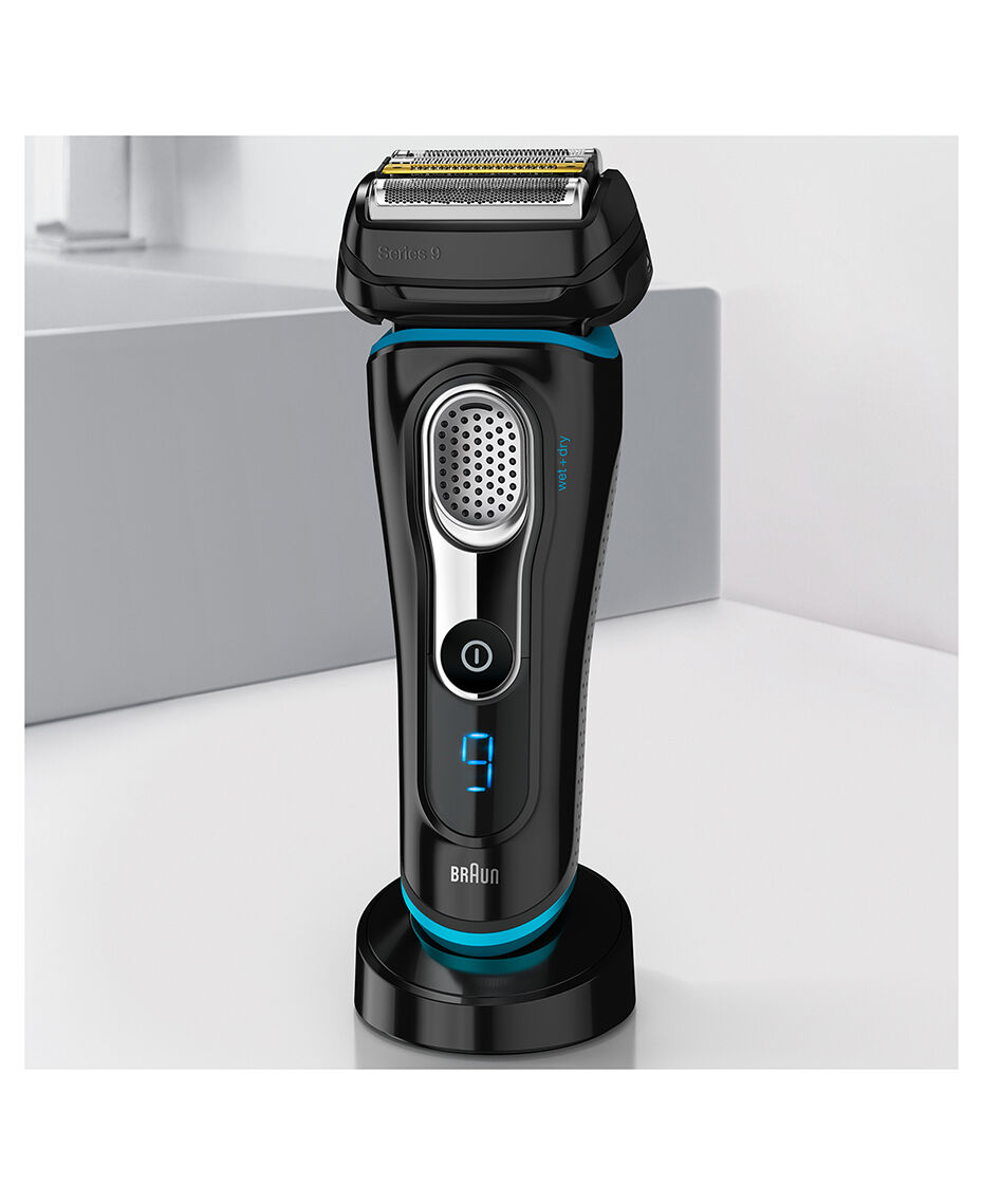 braun series 9 wet dry electric shaver black plus charge. Black Bedroom Furniture Sets. Home Design Ideas