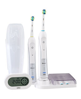 Oral-B PRO 5000 Electric Toothbrush 2 Handle Pack incl. 4 Brush Head Refills & Travel Case